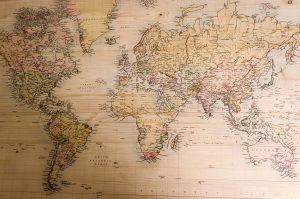 Landkarte auf Holz gedruckt