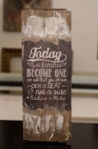 Hinweistafel aus Holz