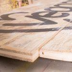 verschraubte Latten aus Holz