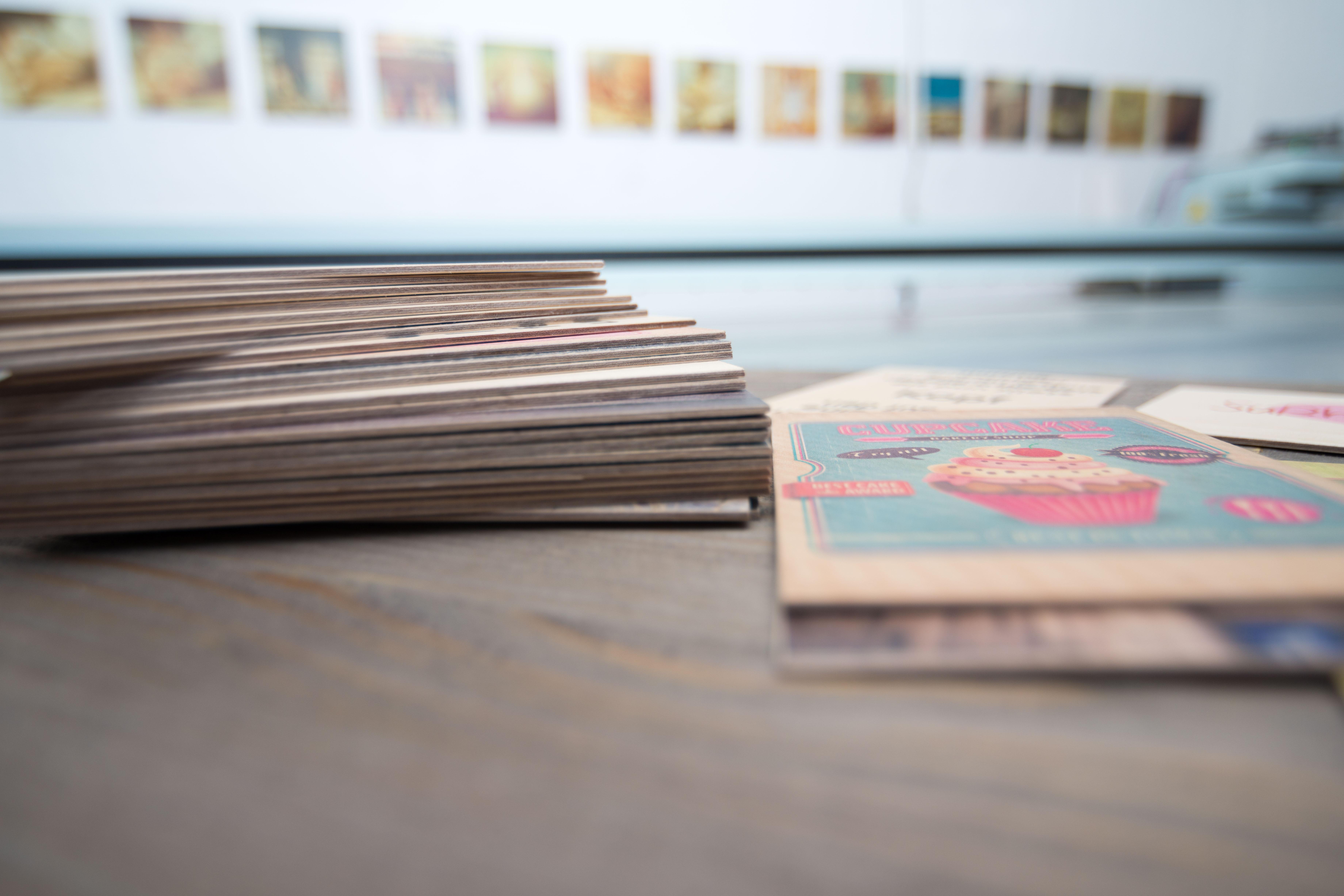 Holzpostkarten farbig bedruckt