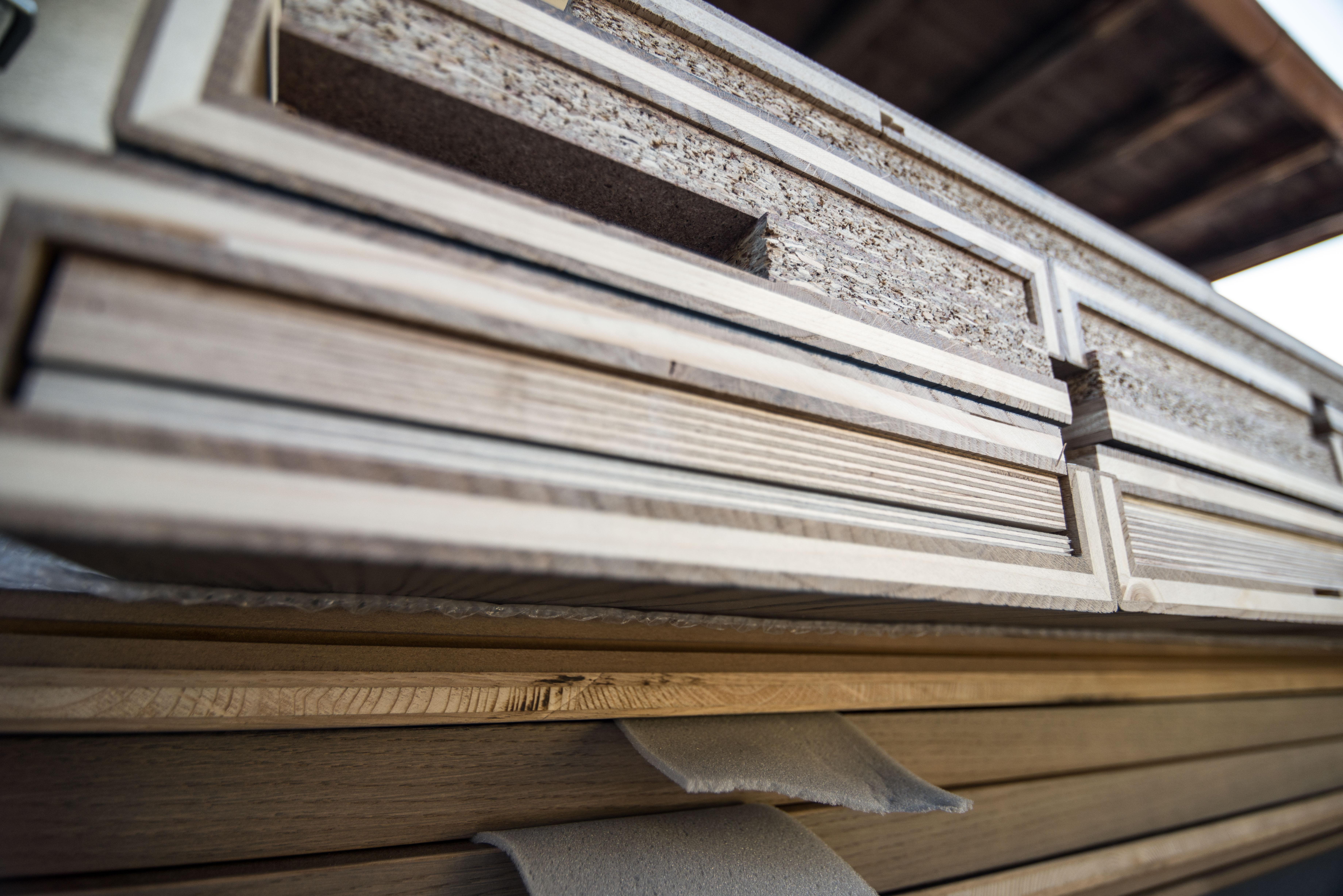 druck auf holz eichenholztreppenstufen. Black Bedroom Furniture Sets. Home Design Ideas