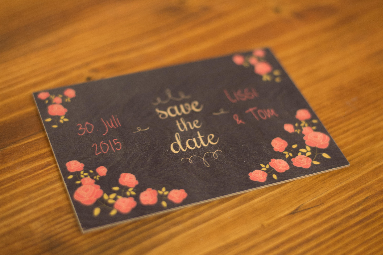Einladungskarte aus Holz