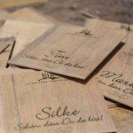 Holzkärtchen für eine Hochzeit