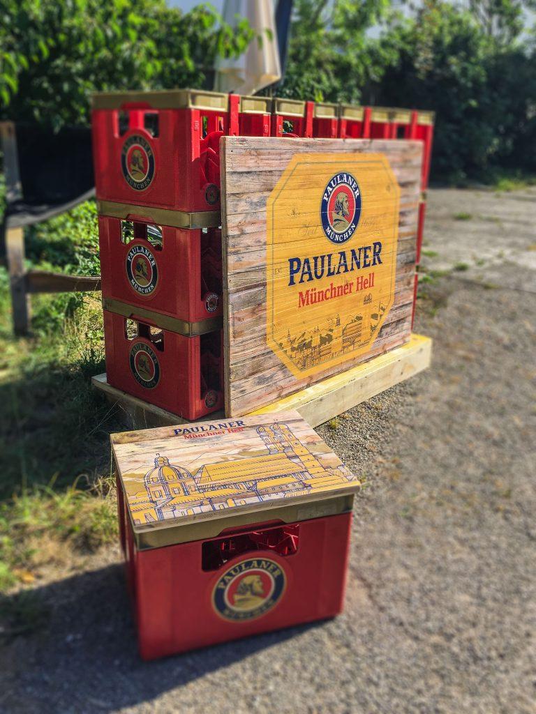 Bierkistenauflage aus Holz und Dj-Pult aus Bierkästen Holzdruck individuell