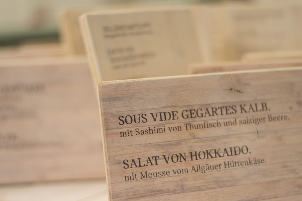 Speisekarte auf Holz - Menütafel aus Holz