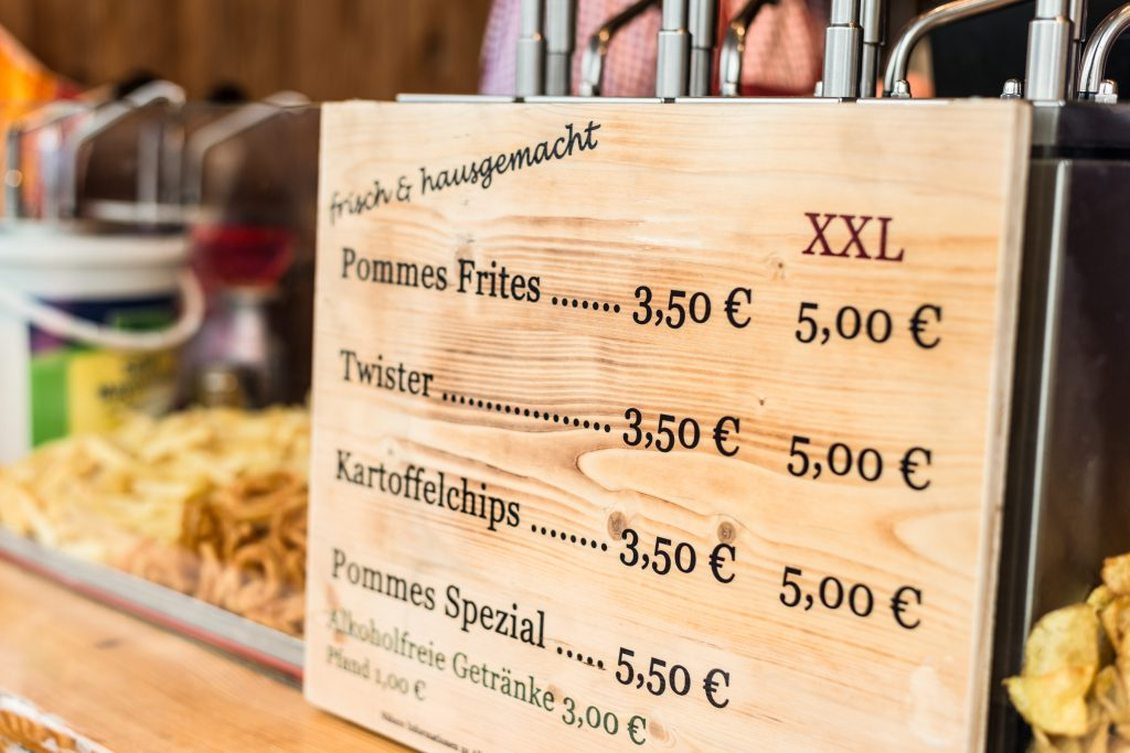 bedruckte Speisekarte aus Holz