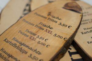 Individueller Preisauzeichner aus Holz
