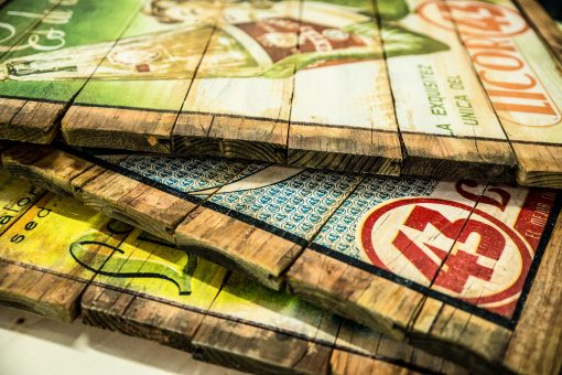 Druck auf alte Holzlatten