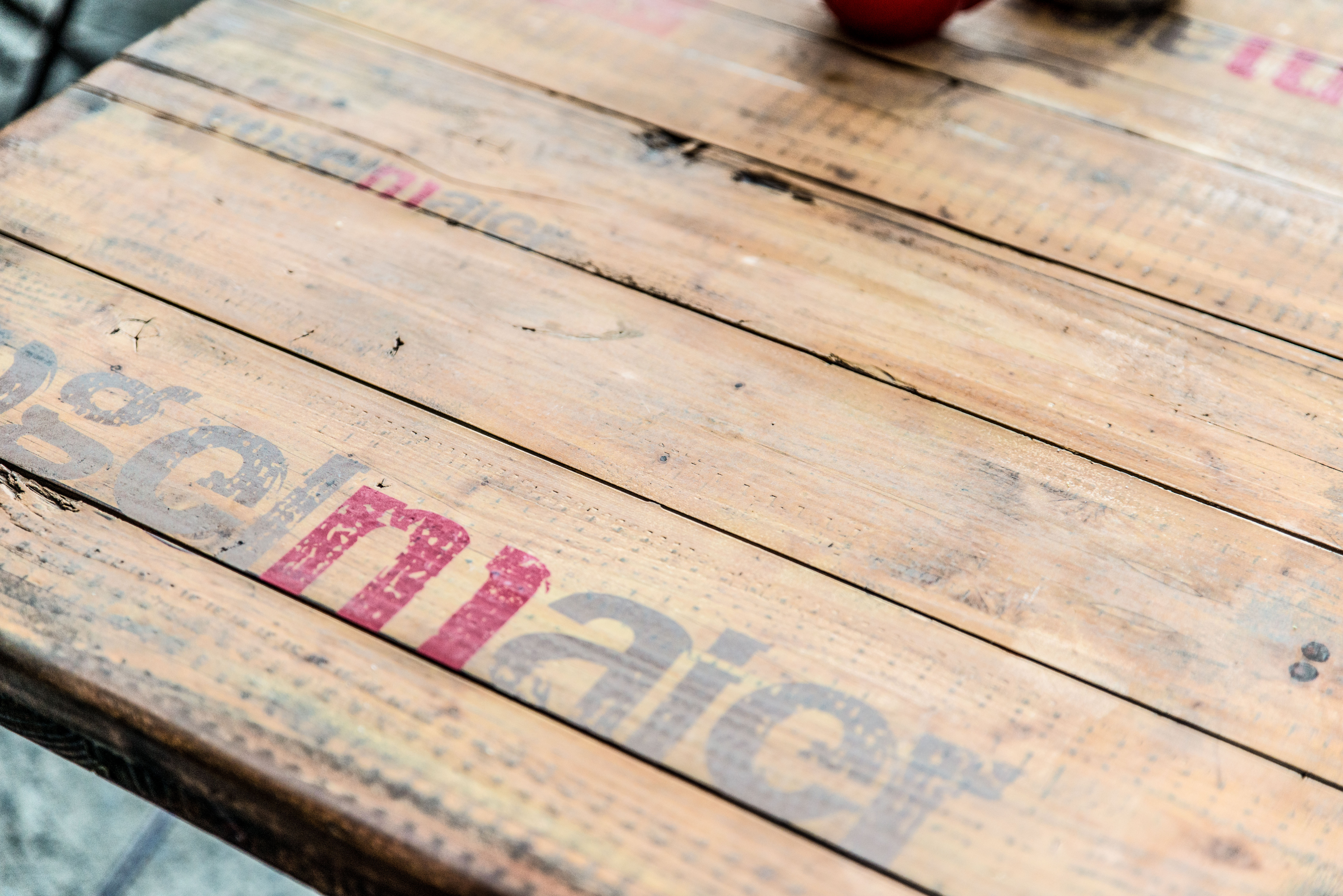 Bedruckte Tischplatte