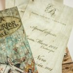 Verschiedene Drucke auf Holzkarten