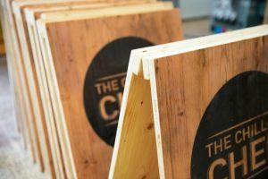 Kundenstopper aus Holz