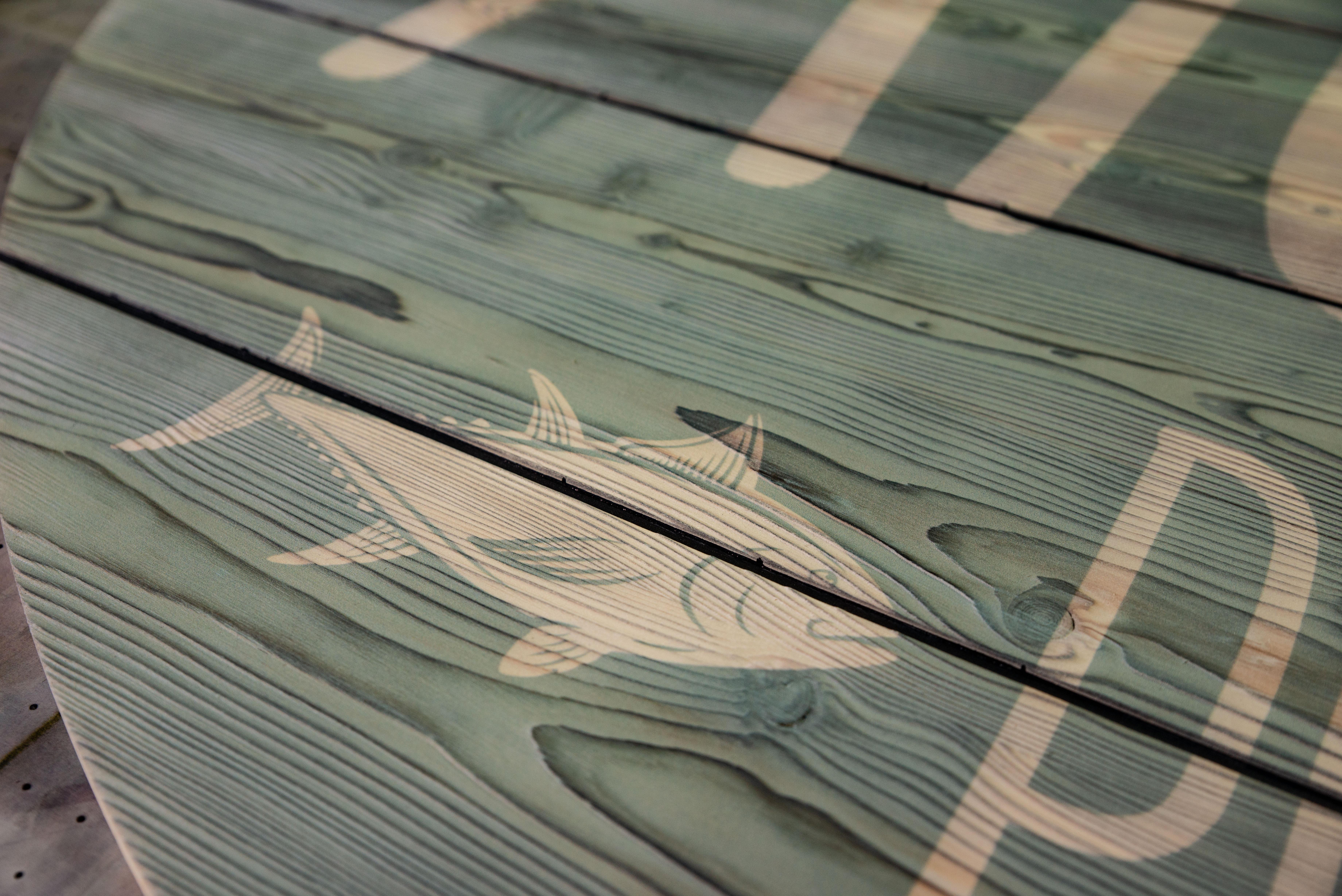 Bedruckte Lärchenholzplatte, genutet, gebürstet und geflammt