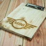 Holzklemmbrett mit Lasergravur