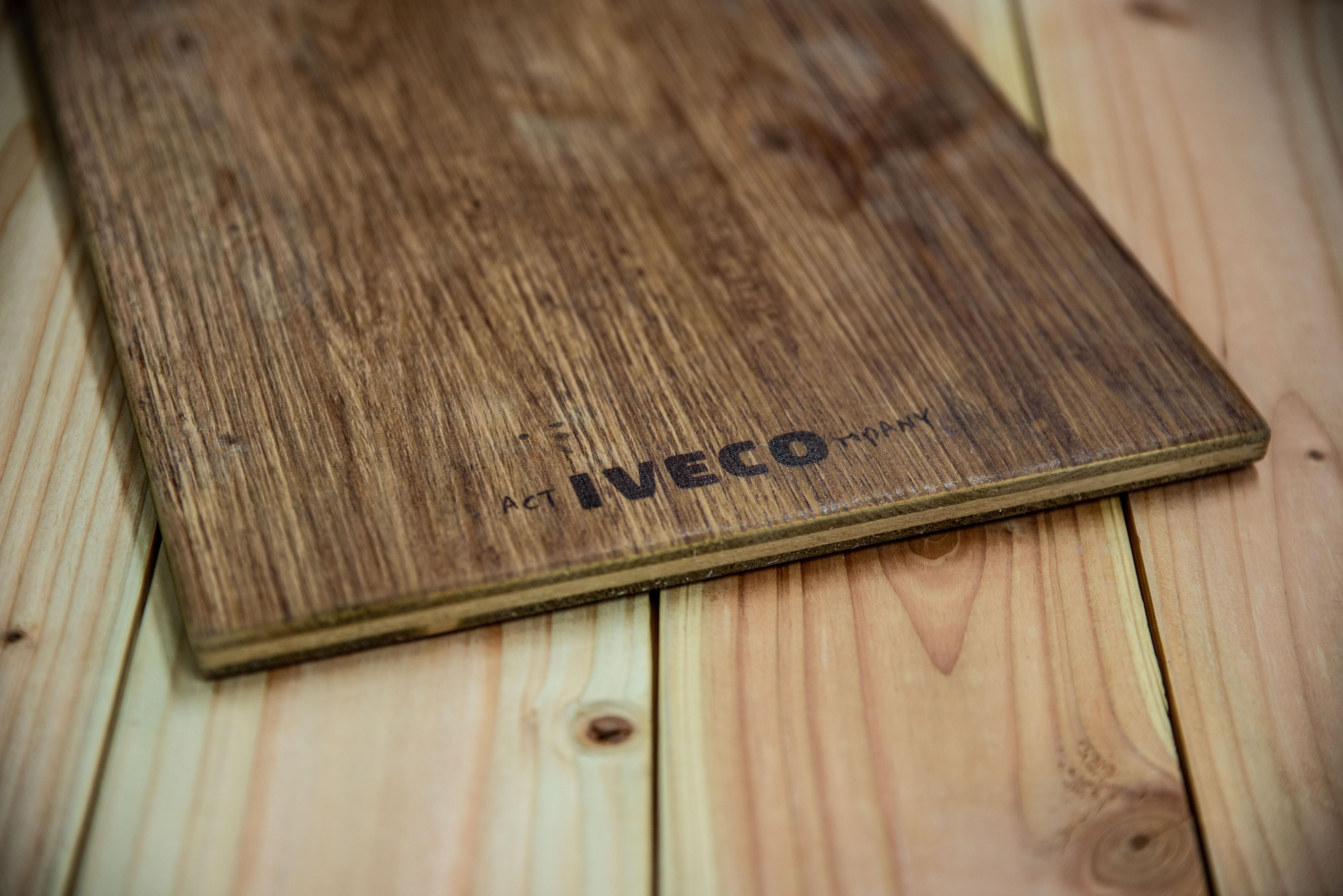 Holzklemmbrett mit Logodruck