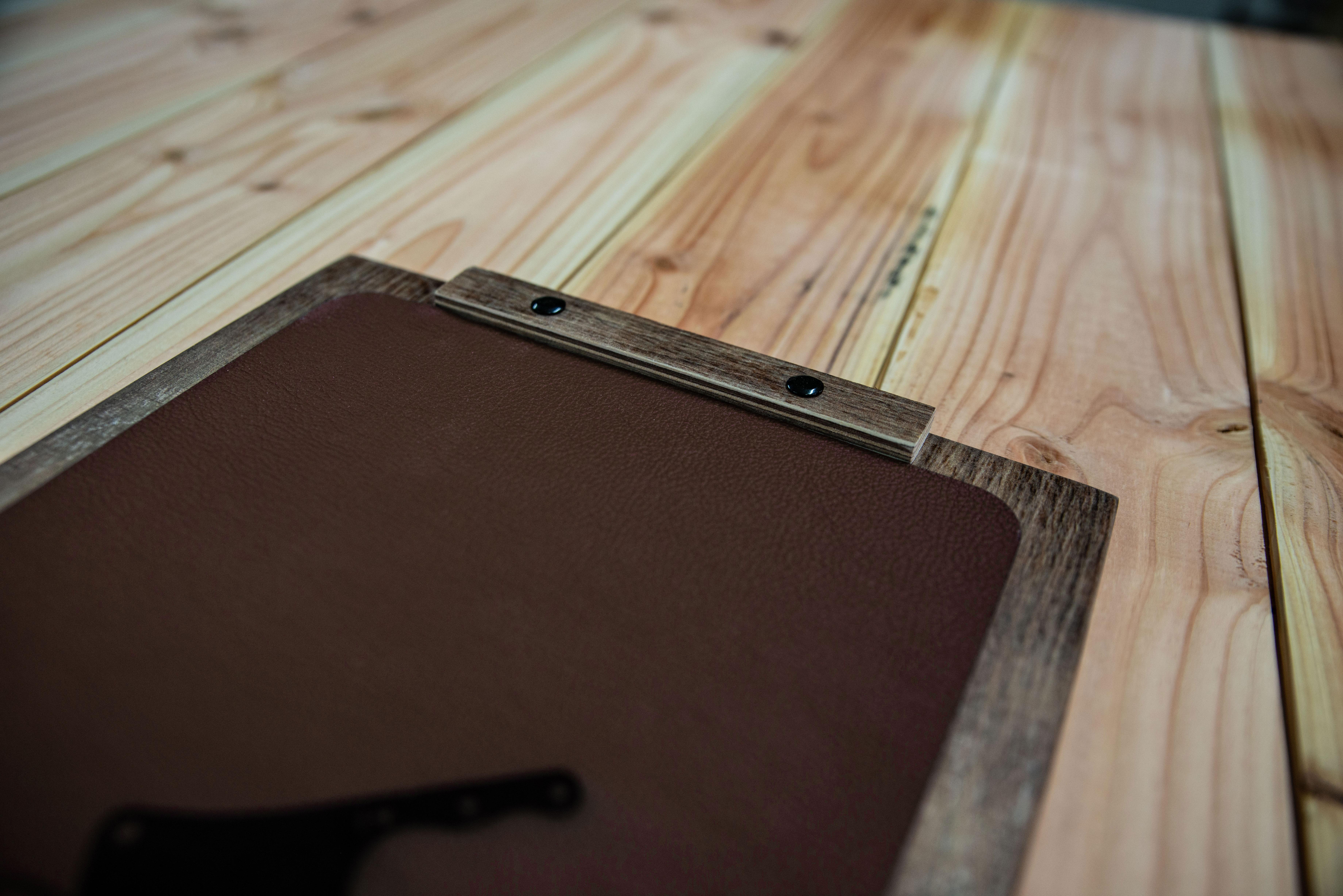 Halterung aus Holz