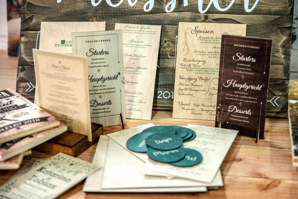 Überblick-über-unsere-Hochzeitsartikel-aus-Holz