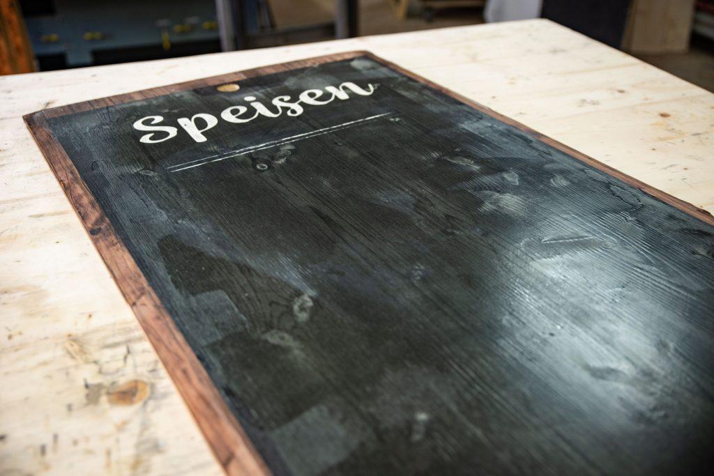 Schreibtafel aus Holz
