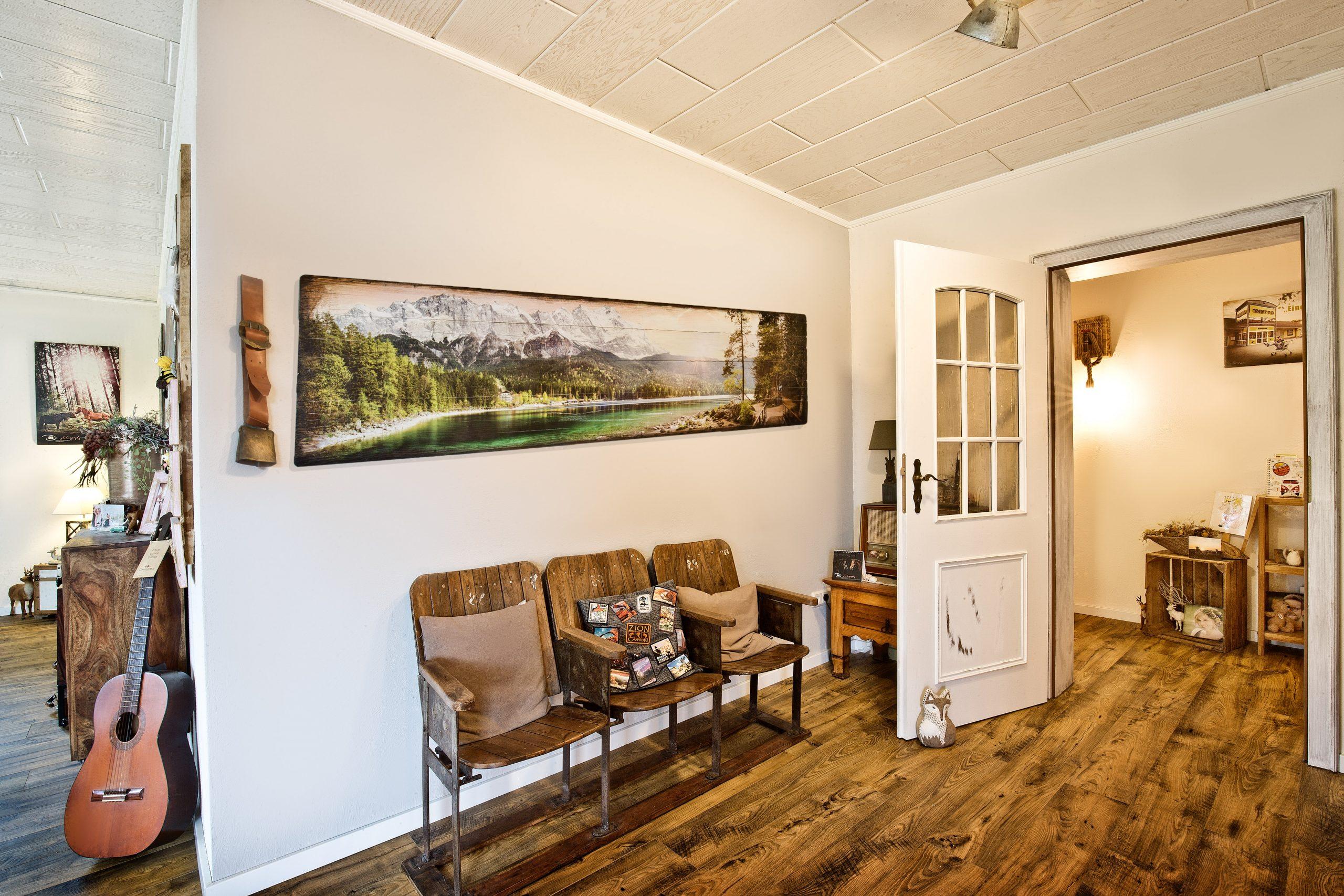 Interieur mit Druck auf altem Holz