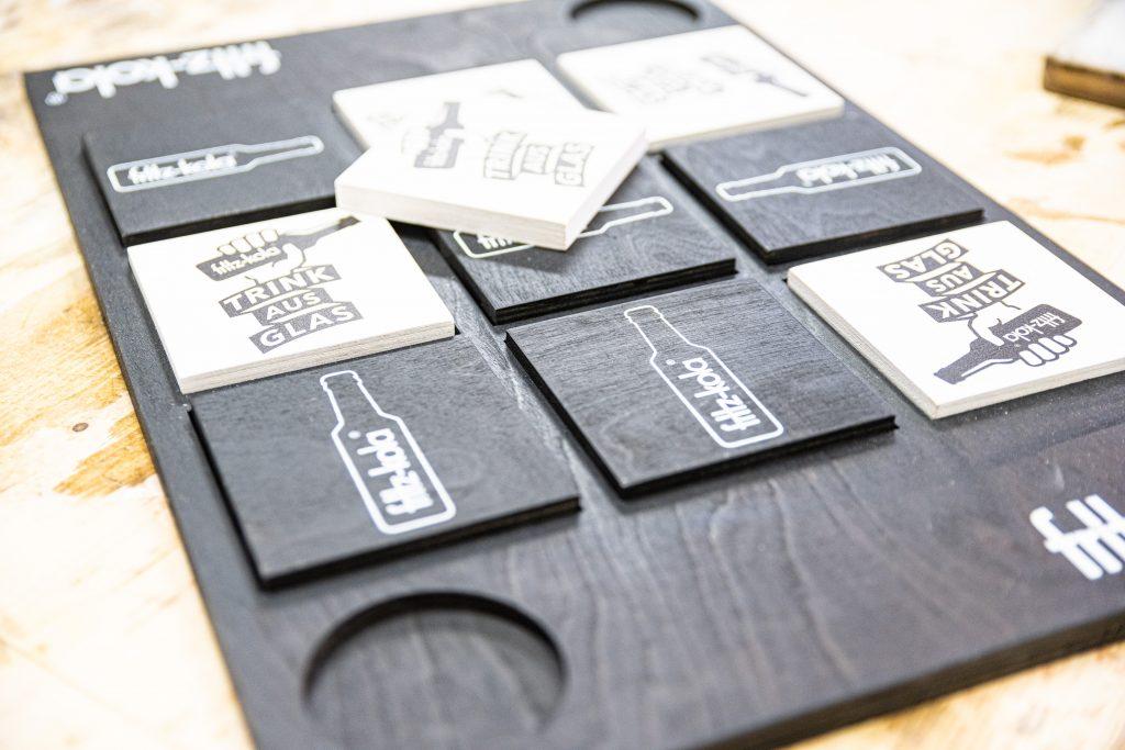 maßgeschneiderte Holzprodukte - TicTacToe für Fritz-Kola