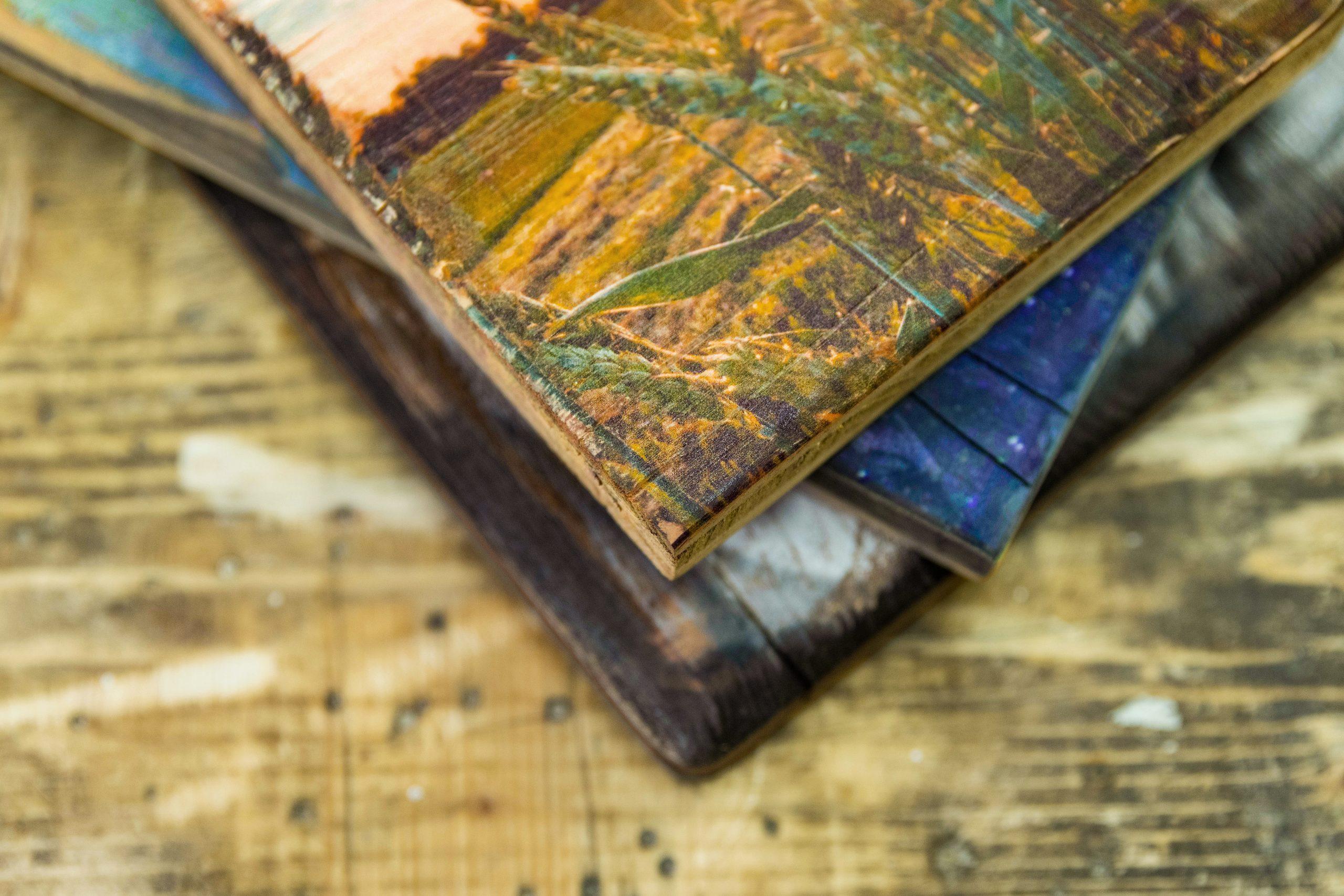 Verschiedene Bilder auf Vintage - Holz, Detail