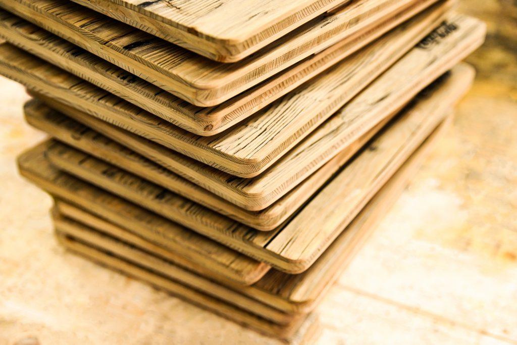 Bierkistenauflagen aus Holz in Eichenoptik